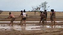 فرح في أستراليا بعد وصول الأمطار إلى مناطق الحرائق