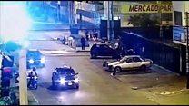El video del momento en el que un hombre parece rociar con gasolina a una mujer