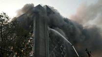 आग की चपेट में आई सूरत की बहुमंजिला इमारत