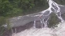 Flash flooding leaves tourists stranded in NZ