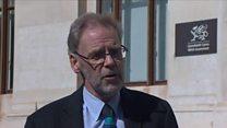 Dr Meirion Evans: 'Coronafeirws yma i aros'