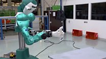 Click News: Robot offers help to human co-workers