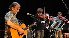 Martin Carthy and Members of Aurora Orchestra