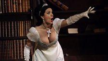 Angela Gheorghiu as Tosca (c) Catherine Ashmore / The Royal Opera 2011