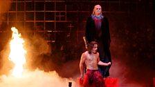 Reinhard Hagen as Commendatore and Erwin Schrott as Don Giovanni