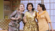 Kai Rüütel As Meg Page, Ana María Martínez As Alice , Amanda Forsythe As Nanetta