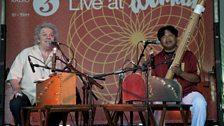 WOMAD 2012: Paddy Bush and Justin Vali