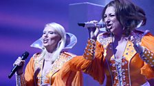 Mamma Mia gala performance: Anneka Rice sings with the cast