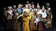 Alexandra, Pudsey and the cast take a bow