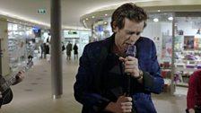 Kyrre Hellum as Geir 'Elvis' Tvedt