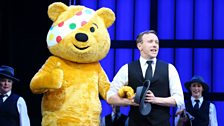 Pudsey's really enjoying himself on stage!