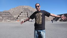 Target hits the Mexican pyramids at Teotihuacán