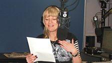 Gareth Malone teaching Sara to sing