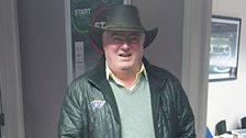 Aled Roberts gyda het gowboi Geraint Lloyd