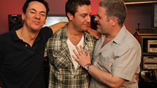 Gino D'Acampo surprises Chris and Dave for a celebrity Carpark Catchphrase.