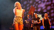 Pixie Lott sings for Chris