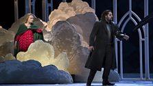 MARINA POPLAVSKAYA AS ALICE AND BRYAN HYMEL AS ROBERT © ROH / BILL COOPER 2012