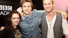 17 May: Kristen Stewart & Chris Hemsworth