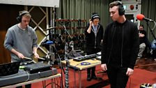 Disclosure perform Latch with vocalist Sam Smith