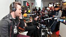 Kasabian performed in Fearne's kitchen
