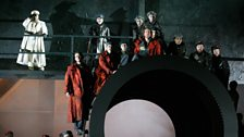 Kim Begley as Captain Vere and Benedict Nelson as Billy Budd with the Chorus of English National Opera