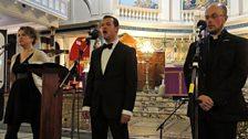 Kathleen NicAonghais, Patrick Hughes agus Mgr Ros Crichton