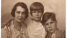 Lina with her sons Oleg - middle - and Svyatoslav, Moscow 1936