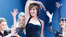 Fiona Bruce glams it up
