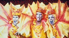 Terence Stamp (centre) with Guy Pearce and Hugo Weaving in Priscilla Queen of the Desert (1994)