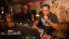 Robbo Ranks and Seani B - Saturday Night in The Gully