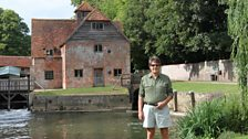 Mike Read's very big house in the country tour - Mapledurham House