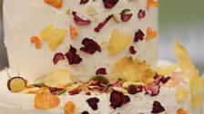 Episode 10 - Final - Frances' Midsummer Night's Dream Wedding Cake