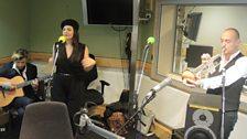 Caro Emerald live in session
