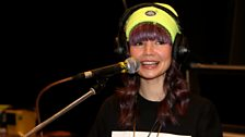 B.Traits at the microphone