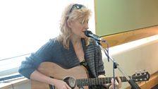 Eddi Reader sang live for Terry Wogan