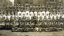 Staff of the Endell Street Military Hospital in London, 1916.