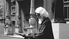 M.F. Husain sketching in the V&A's Cast Courts