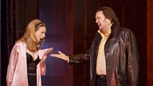 Sarah Tynan as Manon Lescaut and Benjamin Bevan as Lescaut