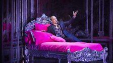 Christopher Maltman as Lescaut in Act II