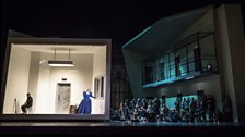Maria Stuarda Production Image
