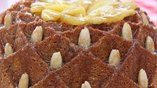 Luis' Apple & Cinnamon Kugelhopf Cake with Honeyed Apples