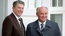 Reagan and Gorbachev facing the press