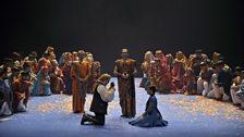 Sélika (Veronica Simeoni) saves Vasco da Gama (Gregory Kuned) by saying he was her husband