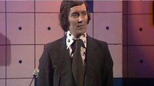 Cân i Gymru - 1975 - Hywel Gwynfryn