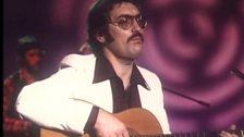 """Cân i Gymru - 1982 - Morus Elfryn cyfansoddwr y gan """"Dim ond i Ti"""""""