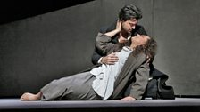 Diana Damrau in the title role and Vittorio Grigolo as des Grieux in Act V