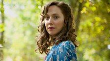 Elizabeth Aldridge (Hattie Morahan)
