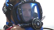 Steve's full face mask allows him to present whilst underwater