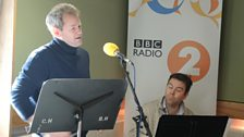 Alexander Armstrong sings live!