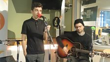 Nathan Sykes sings live!
